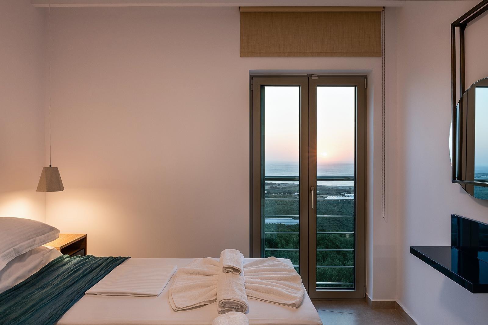 bedroom_sunset